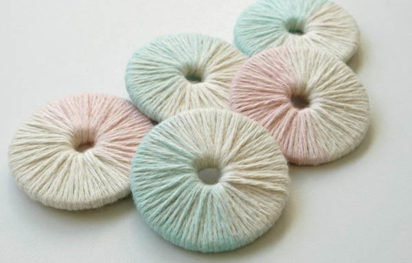 Yarn-wrapped pattern weight tutorial