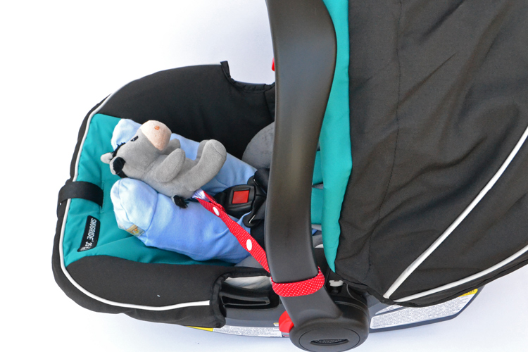 toy-keeper-on-carseat