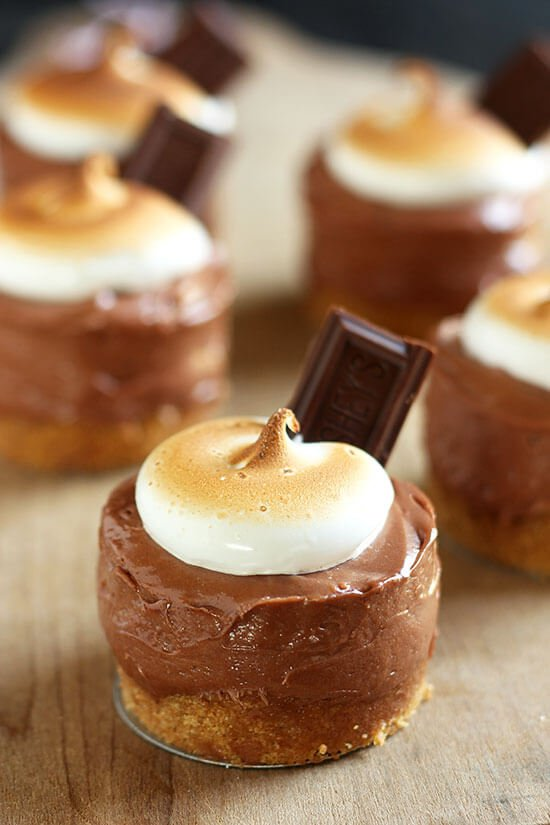 No Bake Mini Smores Cheesecakes