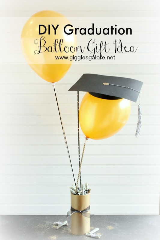 DIY-Graduation-Balloon with hat