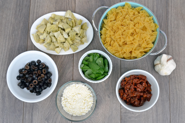 chopped-ingredients-for-pas